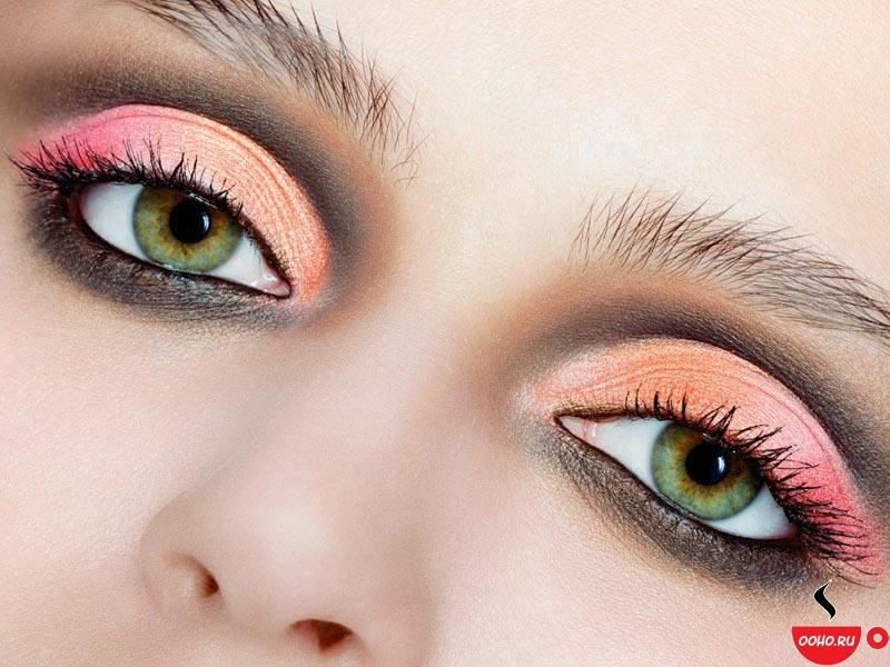 В последнее время популярны сложные цветные линзы, предназначенные для выделения цвета внешней каёмки(например...