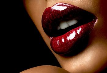 макияж красные губы