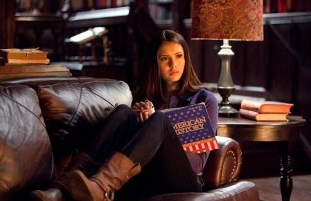 смотреть сериал дневники вампира