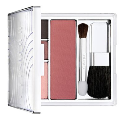 klubnichnaya-svezhest-strawberry-fudge-makeup-collection-for-holiday-2010